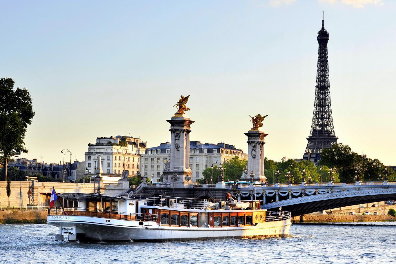 20140519105851-don-juan-seine-river-dinner-cruise